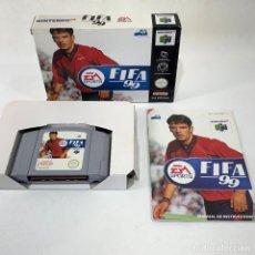 Videojuegos y Consolas: VIDEOJUEGO NINTENDO - NINTENDO 64 - FIFA 99 - ES SPORT - EUR + CAJA + INSTRUCCIONES. Lote 276397878