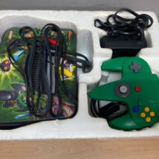 Videojuegos y Consolas: NINTENDO 64 CON CAJA ORIGINAL, MANDO Y CABLES. Lote 286648128