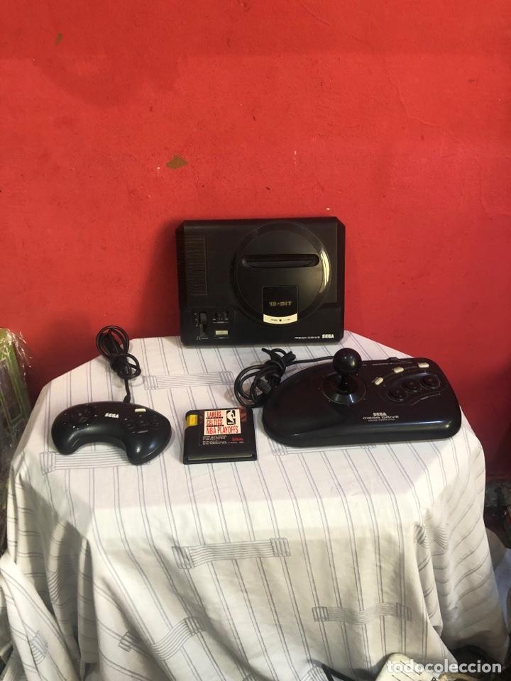 CONSOLA SEGA MEGADRIVE MODELO 1 .CON DOS MANDOS ORIGINALES MÁS UN JUEGO . VER FOTOS (Juguetes - Videojuegos y Consolas - Nintendo - Nintendo 64)