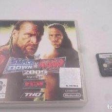 Videojuegos y Consolas: JUEGO SMACK DOWN VS RAW 2009 WWF LUCHA NINTENDO DS ESPAÑOL PAL.ENVIO COMBINADO. Lote 82927436