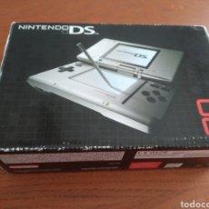 Videojuegos y Consolas: CONSOLA NINTENDO DS (PRIMERA GENERACIÓN) AÑO 2004. Lote 210606717