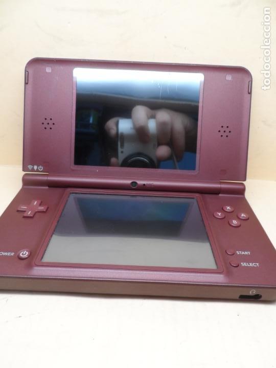 Videojuegos y Consolas: CONSOLA NINTENDO DSI XL BUNGURDY (RED WINE) + CARGADOR - Foto 4 - 253701775