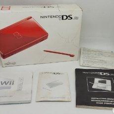 Videojuegos y Consolas: CAJA NINTENDO DS LITE ROJA Y DOCUMENTACIÓN. NO GAME BOY. NO MEGADRIVE.. Lote 266083943