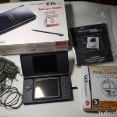 Videojuegos y Consolas: CONSOLA NINTENDO DS LITE ( NEGRA ) CON CAJA Y JUEGO. Lote 269808668