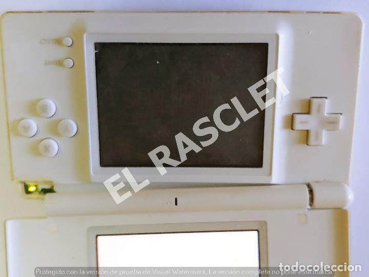 Videojuegos y Consolas: CONSOLA NINTENDO DS LITE - COLOR BLANCO - MODELO USG 001 - AÑO 2006 - FUNCIONA - SOLO PARA PIEZAS - Foto 15 - 288052748