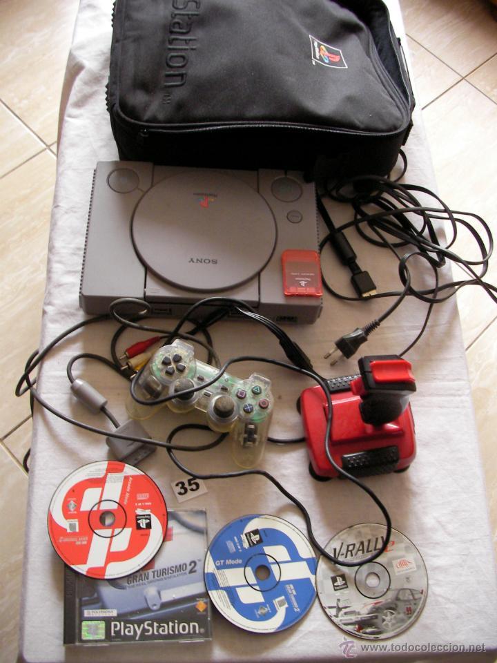 ANTIGUA CONSOLA PLAYSTATION CON ACCESORIOS DIVERSOS, MANDOS Y 3 JUEGOS DE COCHES Y MOTOS Y MALETIN (Juguetes - Videojuegos y Consolas - Sony - PS1)