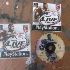 Videojuegos y Consolas: PLAYSTATION 1 PS1 NBA LIVE 2000 EN CASTELLANO. Lote 222197762