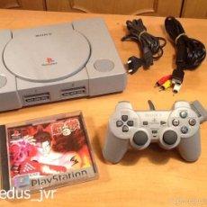 Videojuegos y Consolas: LOTE CONSOLA SONY PLAYSTATION PS1 PAL PLAY STATION 1 CON JUEGO TEKKEN 3 EN BUEN ESTADO. Lote 79194259