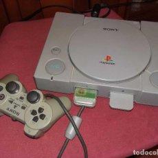 Videojuegos y Consolas: PS10001 - SONY PS1 FUNCIONANDO + MANDO + 2 MEMORICARD, SIN CABLE DE TV. Lote 101027731
