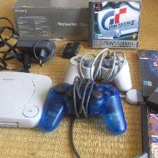 Videojuegos y Consolas: SONY PLAYSTATION PSONE COMPLETA CON DOS MANDOS ACCESORIOS Y 4 JUEGOS DUALSHOCK MANDO ANALOGICO. Lote 103934911