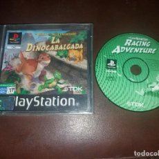 Videojuegos y Consolas: JUEGO Y MANUAL DE INSTRUCCIONES LA DINOCABALGADA DINOSAURIOS THE LAND BEFORE TIME RACING ADVENTURE. Lote 127634463