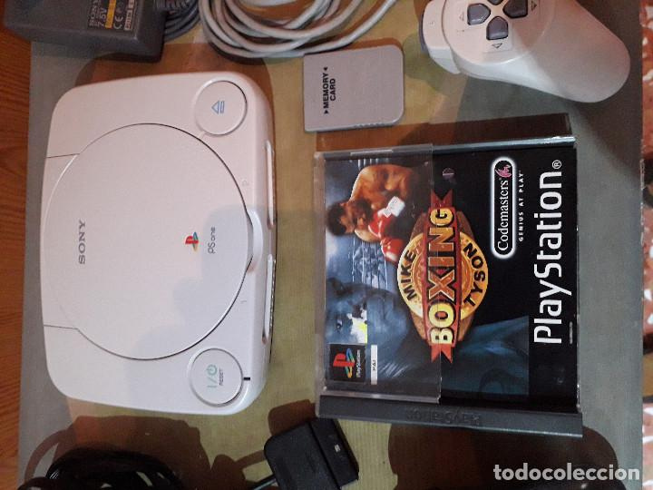 Videojuegos y Consolas: 08-00234 PSONE+2 MANDOS+CABLES+MEMORICARD+JUEGO BOXEO - Foto 3 - 146228189