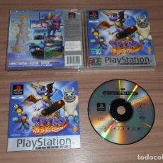 Videojuegos y Consolas: SPYRO EL AÑO DEL DRAGON COMPLETO PLAYSTATION PAL ESPAÑA COMO NUEVO. Lote 143082878