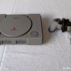 Videojuegos y Consolas: CONSOLA PLAYSTATION DE SONY + 1 MANDO.. Lote 147601450