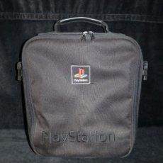 Videojuegos y Consolas: BANDOLERA BOLSO PLAYSTATION PSP SONY. LOGO Y LETRAS BORDADAS. COLOR NEGRO. AÑOS 90. Lote 156581006