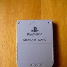Videojuegos y Consolas: TARJETA DE MEMORIA PARA PLAYSTATION 1 ORIGINAL. Lote 194327245