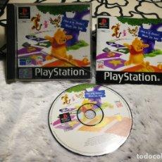 Videojuegos y Consolas: WINNIE THE POOH VEN A LA FIESTA PS1 COMPLETO. Lote 165904570