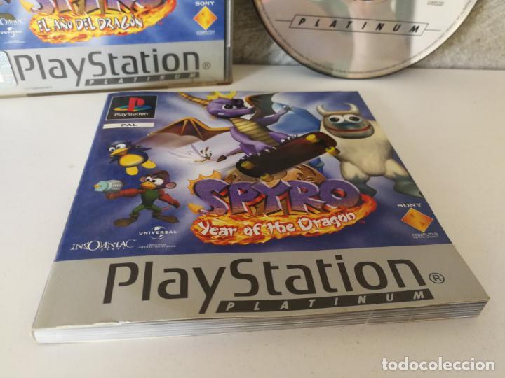 Videojuegos y Consolas: SPYRO EL AÑO DEL DRAGON PS1 PLAY1 - Foto 2 - 166371622