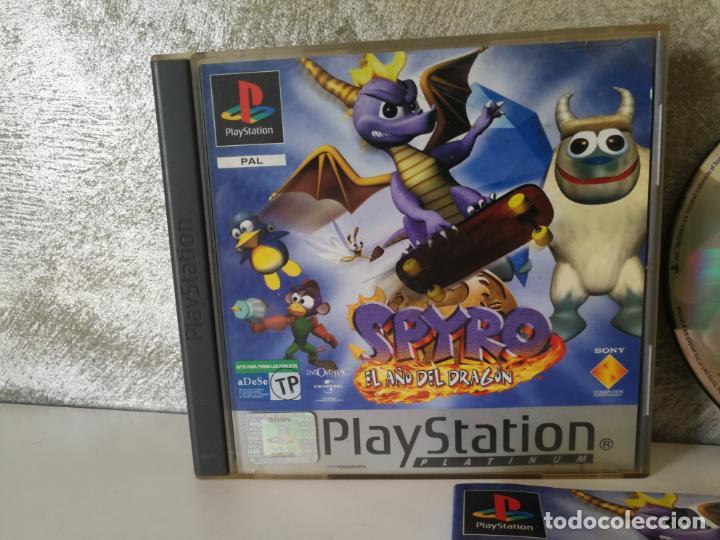 Videojuegos y Consolas: SPYRO EL AÑO DEL DRAGON PS1 PLAY1 - Foto 3 - 166371622