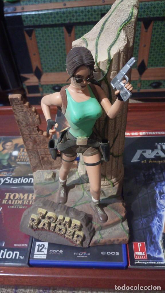 Videojuegos y Consolas: Lote Tomb raider ,PS1 vinilada ,juegos PS1 ,PS2 ,guia y figura Lara Croft - Foto 5 - 171251259