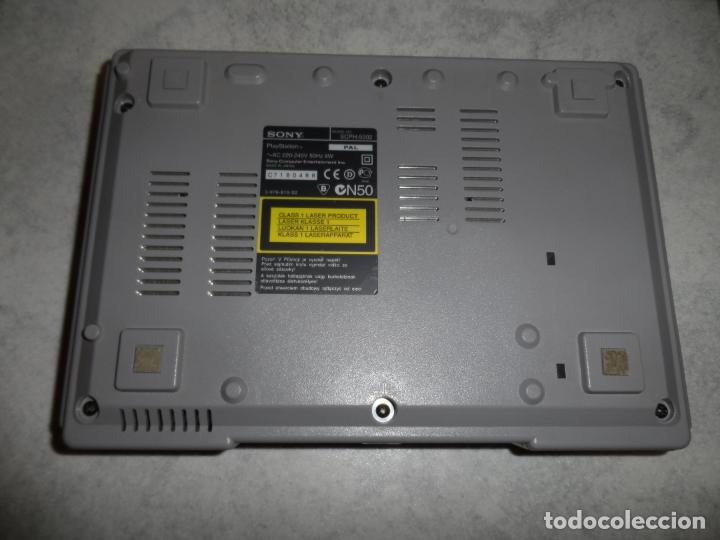Videojuegos y Consolas: CONSOLA PS1 SCPH-5502 + FIFA 2002 - Foto 4 - 181550627