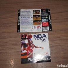 Videojuegos y Consolas: NBA LIFE 98 PORTADA Y CONTRAPORTADA ORIGINAL PLAYSTATION PAL ESPAÑA CASTELLANO. Lote 206160315