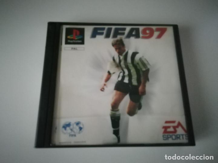 VIDEOJUEGO FIFA 97 CON MANUAL Y CAJA INCLUIDOS - PLAYSTATION PS1 PSX PSONE (Juguetes - Videojuegos y Consolas - Sony - PS1)