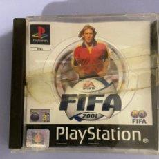 Videojuegos y Consolas: JUEGO PLAYSTATION 1. FIFA 2001. SIN INSTRUCCIONES, FRONTAL DE CAJA ROTA.. Lote 223950176