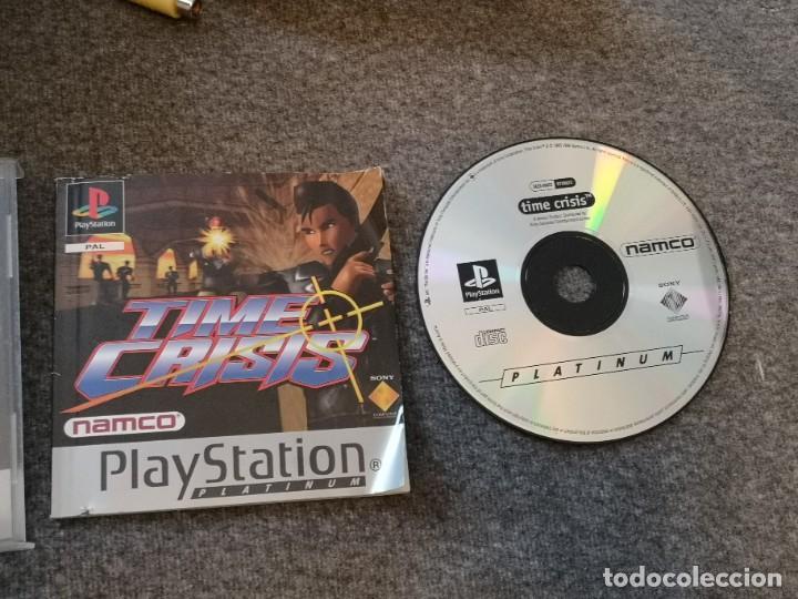 Videojuegos y Consolas: caja con pistola time crisis operación Titán + g-con 45 ps1 + juego time crisis 1 - Foto 3 - 253118530