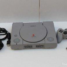 Videojuegos y Consolas: CONSOLA SONY PLAY STATION 1 - PS 1 + MANDO Y CABLES. FUNCIONA. Lote 253815415