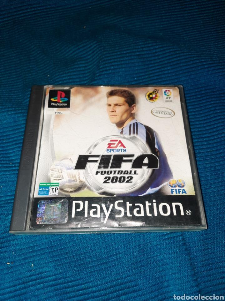 PLAYSTATION FIFA FOOTBALL 2002, EA SPORT FIFA (Juguetes - Videojuegos y Consolas - Sony - PS1)