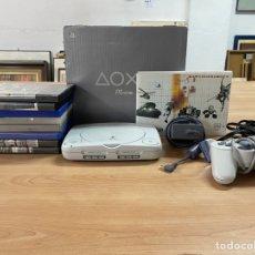 Videojuegos y Consolas: LOTE PS1 CON CAJA ORIGINAL + 8 JUEGOS + MANDO + CABLES + INSTRUCCIONES. Lote 296965528