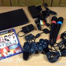 Videojuegos y Consolas: LOTE CONSOLA SONY PS2 PLAYSTATION 2 PLAY STATION PAL SLIM + JUEGO Y MICRÓFONOS SING IT. Lote 150830096