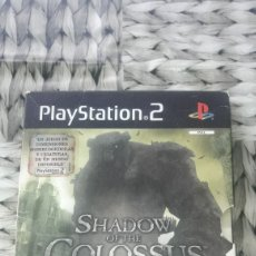 Videojuegos y Consolas: SHADOW OF THE COLOSSUS EDICION COLECCIONISTA PLAYSTATION 2 PS2 CON LO QUE SE VE EN LAS FOTOS. Lote 180007707