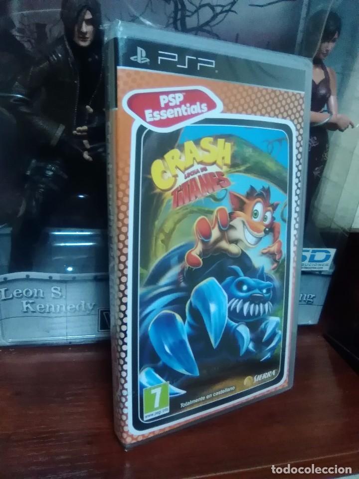 Videojuegos y Consolas: CRASH BANDICOOT - LUCHA DE TITANES - SONY PSP - NUEVO Y PRECINTADO - Foto 2 - 74203963