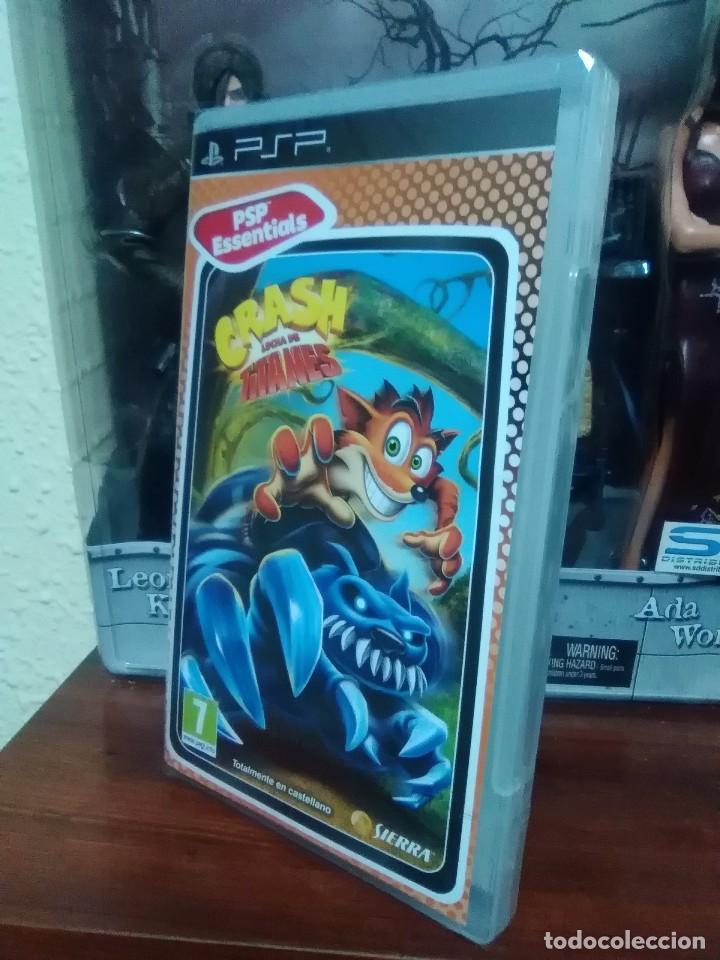 Videojuegos y Consolas: CRASH BANDICOOT - LUCHA DE TITANES - SONY PSP - NUEVO Y PRECINTADO - Foto 3 - 74203963
