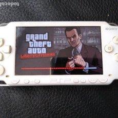 Videojuegos y Consolas: CONSOLA SONY PSP BLANCA FUNCIONANDO. Lote 98060171