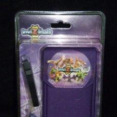 Videojuegos y Consolas: INVIZIMALS. CARRY KIT PSP. FUNDA ACOLCHADA DE COLOR PÚRPURA. NUEVA EN BLISTER. Lote 115454407