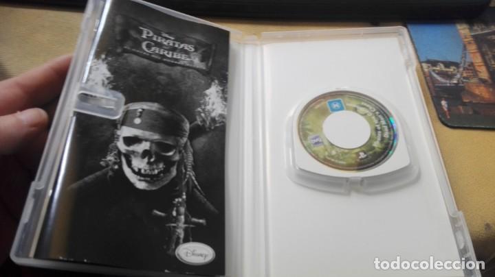 Videojuegos y Consolas: JUEGO PSP PIRATAS DEL CARIBE EL COFRE DEL HOMBRE MUERTO - Foto 2 - 165609534