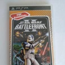 Videojuegos y Consolas: JUEGO SONY PSP PLAYSTATION PORTABLE. STAR WARS BATTLEFRONT II. PSP ESSENTIALS. COMPLETO. Lote 174505338