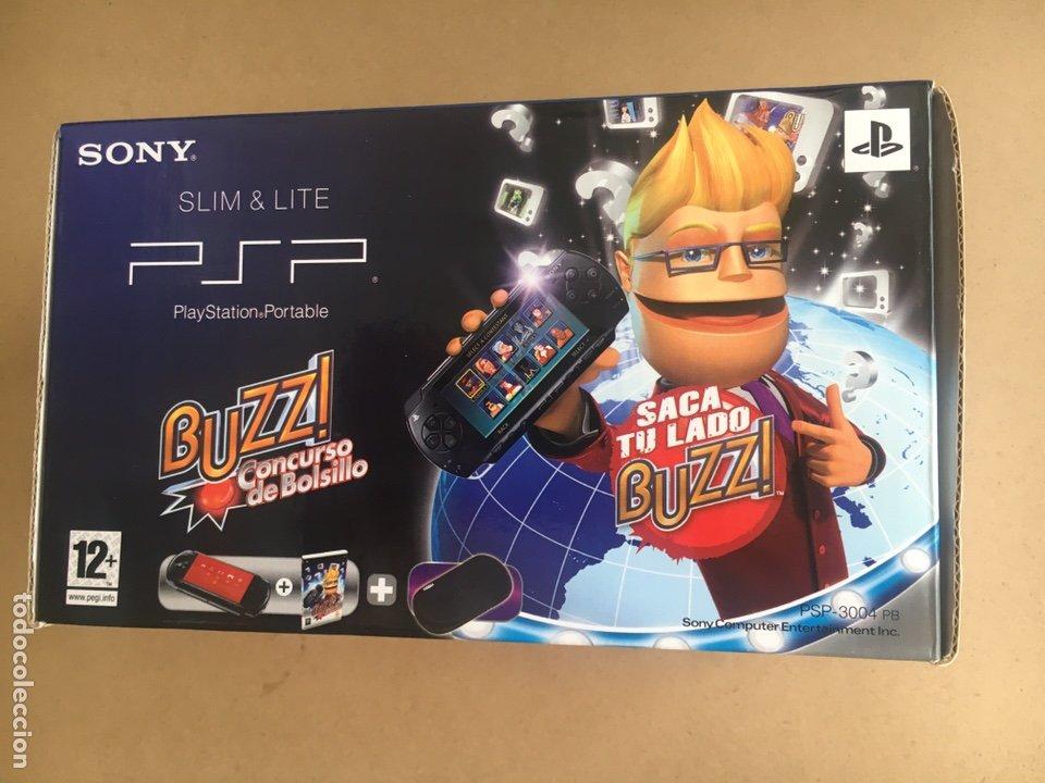 Videojuegos y Consolas: Caja SONY PSP SLIM & LITE Edición BUZZ!! - PSP 3004 Piano Black - No incluye consola solo Caja - Foto 3 - 184762190