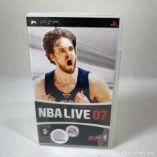 Jeux Vidéo et Consoles: VIDEOJUEGO PLAY STATION PORTATIL - PSP - NBA LIVE 07 + CAJA - ESP. Lote 234922380