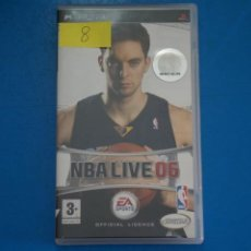 Videojuegos y Consolas: VIDEOJUEGO DE PLAYSTATION PSP NBA LIVE 06 AÑO 2005 Nº 8. Lote 265170844