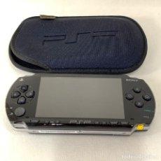 Videojuegos y Consolas: CONSOLA PLAYSTATION PORTATIL - PSP 1004 - NEGRA + ESTUCHE - FUNCIONA. Lote 287600918