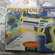 Videojuegos y Consolas: PISTOLA PREDATOR 2 CON PEDAL PARA SEGA SATURN Y SONY PLAYSTATION . Lote 142241154
