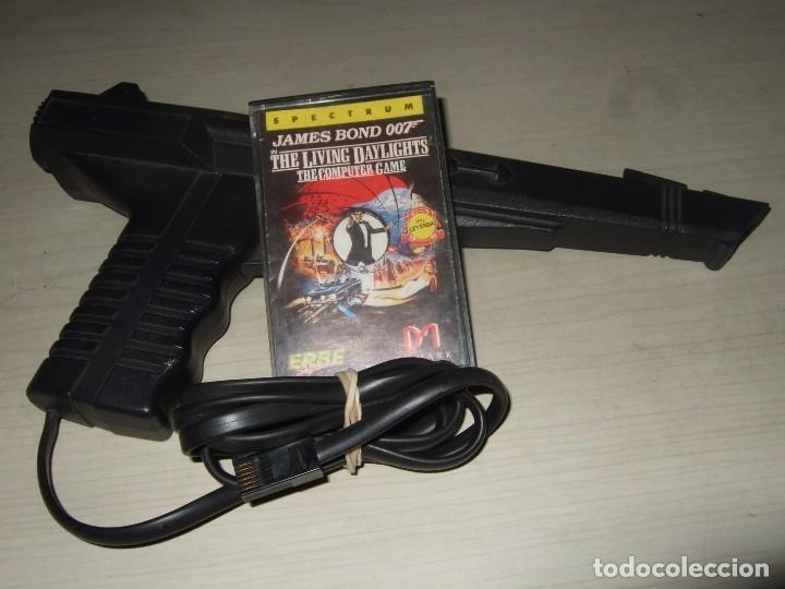 PISTOLA Y VIDEOJUEGO JAMES BOND SPECTRUM (Juguetes - Videojuegos y Consolas - Spectrum)