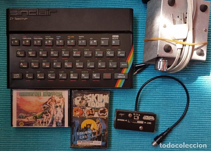 Videojuegos y Consolas: ORDENADOR SINCLAIR ZX SPECTRUM 48 K, CABLES, AMPLIFICADOR, 25 CASETES JUEGOS, LIBRO ... - Foto 3 - 285675928