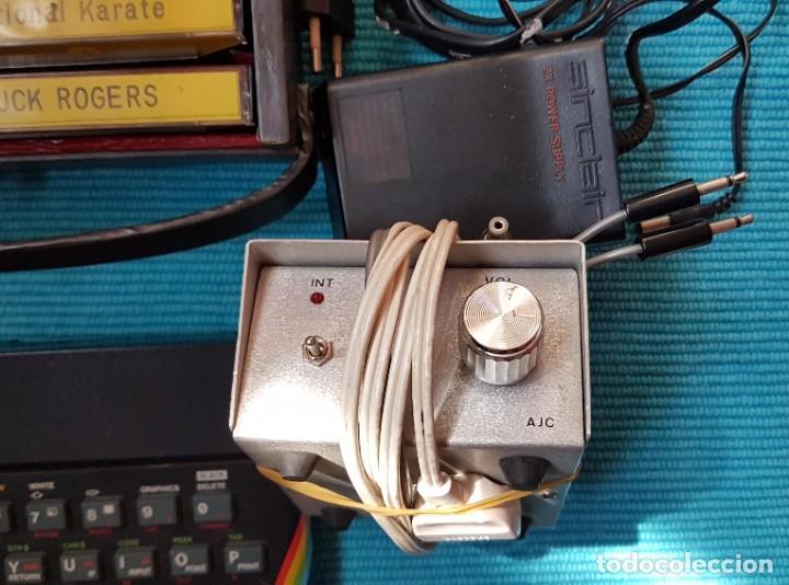 Videojuegos y Consolas: ORDENADOR SINCLAIR ZX SPECTRUM 48 K, CABLES, AMPLIFICADOR, 25 CASETES JUEGOS, LIBRO ... - Foto 5 - 285675928