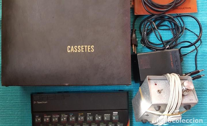 Videojuegos y Consolas: ORDENADOR SINCLAIR ZX SPECTRUM 48 K, CABLES, AMPLIFICADOR, 25 CASETES JUEGOS, LIBRO ... - Foto 6 - 285675928
