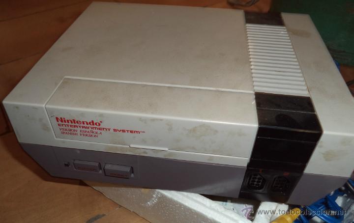 Videojuegos y Consolas: Consola de Nintendo,1985,con dos juegos,original,comprada en una casa,es la de las fotos - Foto 2 - 275314863